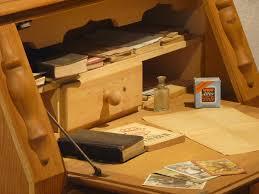 vieux bureau en bois images gratuites bureau table bois antique vieux bureau