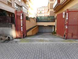 contratto affitto box auto box garage di 18 m皺 box auto in affitto annunci roma