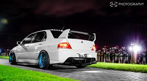 white mitsubishi lancer photos mitsubishi lancer evolution white cars back view