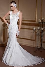 robe de mari e dentelle sirene robe de mariée en dentelle sirène avec bretelles traîne chapelle