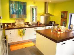 peinture orange cuisine décoration cuisine jaune orange