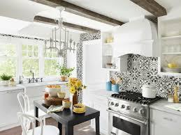 cuisine moderne noir et blanc carrelage cuisine noir et blanc élégant carrelage metro blanc