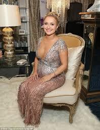 Juliette Barnes Makeup Pregnant Hayden Panettiere Reveals She U0027s Having A At Emmy