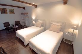 chambre lits jumeaux chambre lits jumeaux supérieure 1 le relais du beffroi