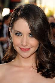 makeup blue eyes hair style beauty brown alison brie why do you make me life 39