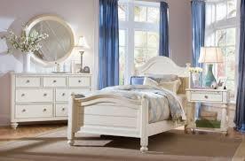 Traditional Bedroom Furniture Ideas Traditional Bedroom Furniture Drum Shape Standing Lamp Grey Fur