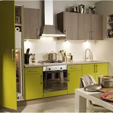 cuisine jaune et verte plan de cuisine amenagee 4 cuisine am233nag233e verte
