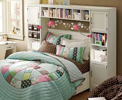 Small Bedroom Ideas With Queen Bed How To Decorate A Small Bedroom With Queen Bed Compact Medium
