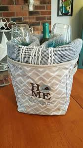 housewarming gifts registry best 25 housewarming gifts ideas on hostess gifts