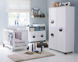 chambre de bébé fly table de lit a roulettes