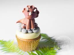 dinosaur cake easy and dinosaur cake topper tutorial
