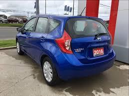 2016 nissan versa blue pre owned 2016 nissan versa note hatchback 1 6 sv cvt 5 door