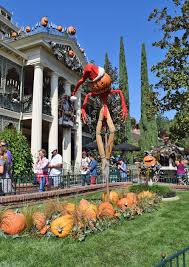 ultimate guide to disneyland halloween time 2017