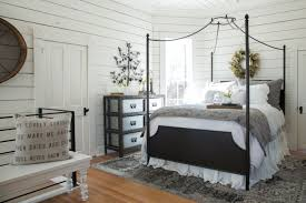Fixer Upper Bedroom Designs Magnolia Stay Booking And Photos Chip U0026 Joanna Gaines