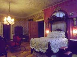 late victorian english manor dollhouse miniature from a bed fit