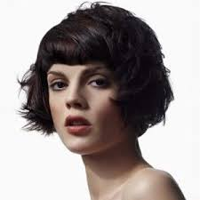 short hairstyles for women with short foreheads best 25 small forehead hairstyles ideas on pinterest small face