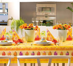 Easter Decorations For Dining Table by 15 Easter Ideas Spring Holiday Table Decoration With Napkins And
