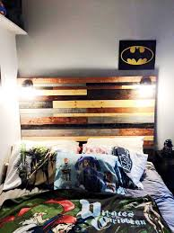 Wood Pallet Headboard Wooden Pallet Headboard With Lights 125 Awesome Diy Pallet