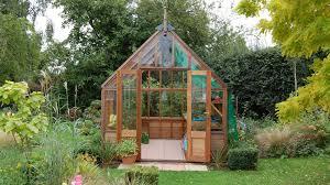 buying guide how to choose a garden greenhouse 1001 gardens