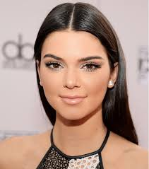 looking for a makeup artist 4 contouring secrets from kendall jenner s makeup artist scale