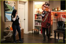 nolan gould is the kiss emoji for halloween on u0027modern family
