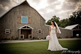 Wedding Barns In Missouri The Gambrel Barn Venue Verona Mo Weddingwire