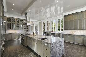 10 Beautiful Kitchens With Glass Cabinets 21 Kitchens With Windows That Allow Plenty Of Natural Light Pictures
