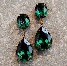 green earrings best 25 green earrings ideas on emerald green