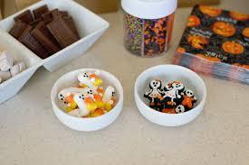 halloween cupcake decorating party savvy sassy moms