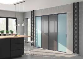 portes de placard de cuisine decoration portes placard cuisine sur mesure coulissantes bleu