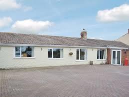 hill bungalow huttoft uk booking com