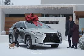 lexus lease return experience lexus u0027 red bows a holiday tradition return for year 18 cmo