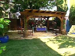 Country Backyards Italian Island Backyard Video Hgtv