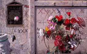 unveiling the refurbished tomb of new orleans u0027 u0027voodoo queen u0027 al