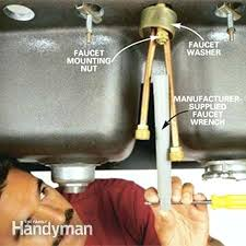 replacing a kitchen sink faucet how to replace kitchen faucet babca club