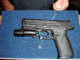 smith and wesson m p 9mm tactical light smith wesson m p military and police pistol debuts at iacp 2005