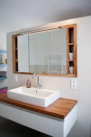 spiegelschränke für badezimmer die besten 25 spiegelschrank holz ideen auf
