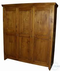a country farmhouse 3 door triple wardrobe vanilla furniture