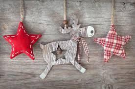 rustic christmas rustic christmas décor lovetoknow