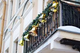 Handrail Christmas Decorations 15 Amazing Christmas Balcony Décor Ideas That Inspire Coo