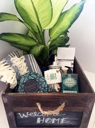 housewarming gift baskets best 25 housewarming basket ideas on housewarming