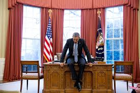obama at desk behind the lens 2016 year in photographs u2013 the obama white house