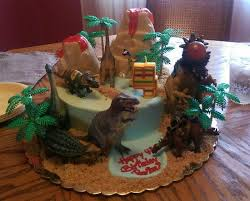 dinosaur cakes dinosaur cake picture of suzi cakes boonton tripadvisor