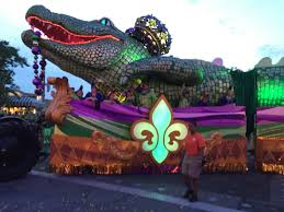 mardi gras alligator universal orlando mardi gras parade king gator float flickr