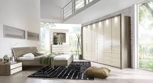 komplett schlafzimmer angebote schlafzimmerserie mit glaselementen und trüffeleiche dekor tiko
