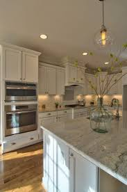 kitchen backsplash white cabinets best 25 kitchens with white cabinets ideas on pinterest kitchen