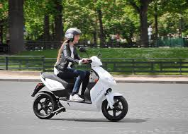 electric scooter rental program launched in paris cleantechnica