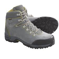 womens size 12 waterproof boots best 25 hiking boots for ideas on best hiking