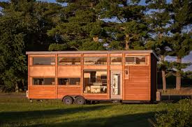 Tiny Homes In Michigan by Tiny House With Full Size Appliances Can Sleep 8 Curbed
