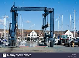 boat lifting crane and cradle used for lifting boats and yachts